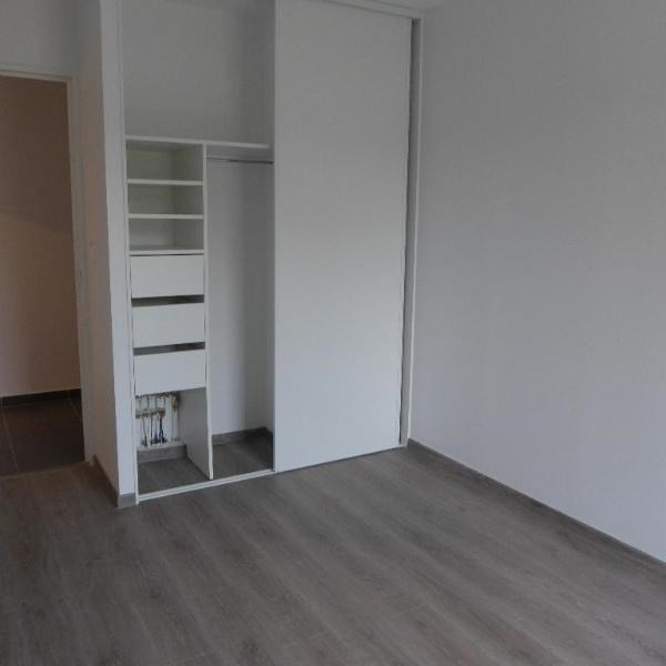 Rental apartment Meyzieu 741€ CC - Picture 6