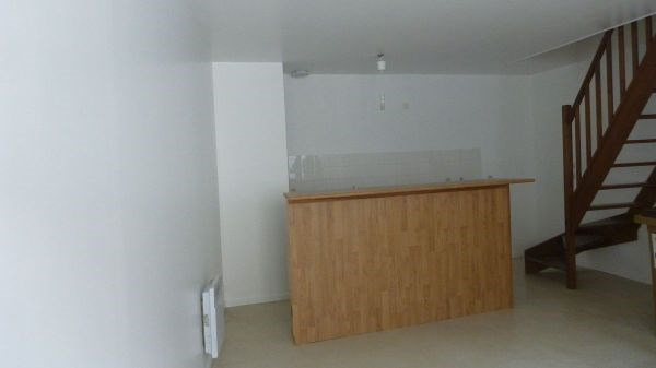 Rental apartment Saint vrain 622€ CC - Picture 2