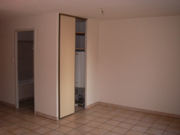 Rental apartment Ambronay 385€ CC - Picture 3