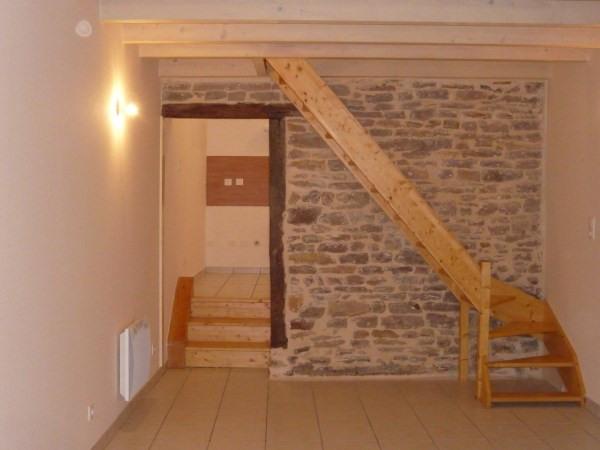 Rental house / villa Hieres sur amby 452€ CC - Picture 1