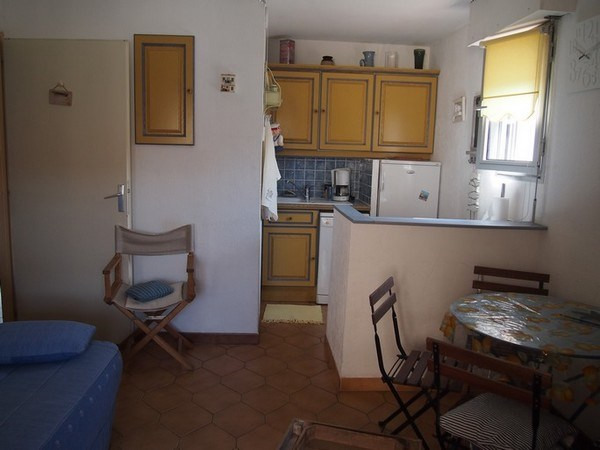 Location vacances appartement Sanary sur mer 690€ - Photo 4