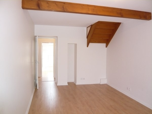 Location appartement Cremieu 595€ CC - Photo 3