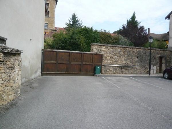 Rental parking spaces Cremieu 40€ CC - Picture 2