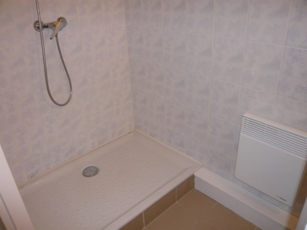 Rental apartment Annoisin chatelans 405€ CC - Picture 4