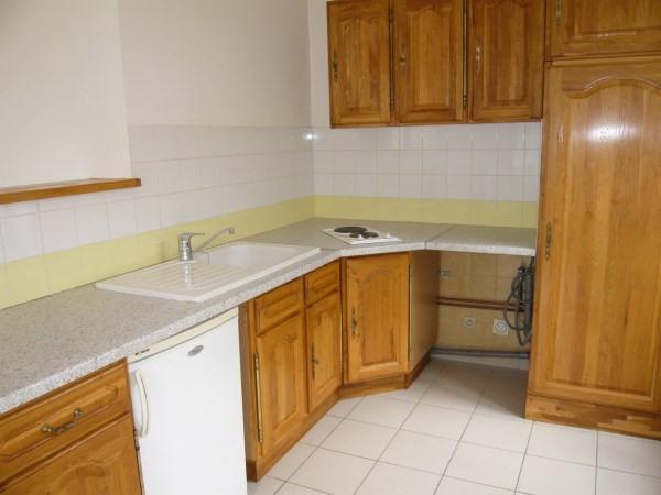 Rental apartment Bourgoin jallieu 400€ CC - Picture 2