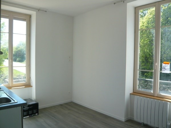 Rental apartment Porcieu amblagnieu 320€ CC - Picture 2