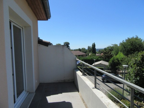 Rental apartment Bouloc 678€ CC - Picture 2