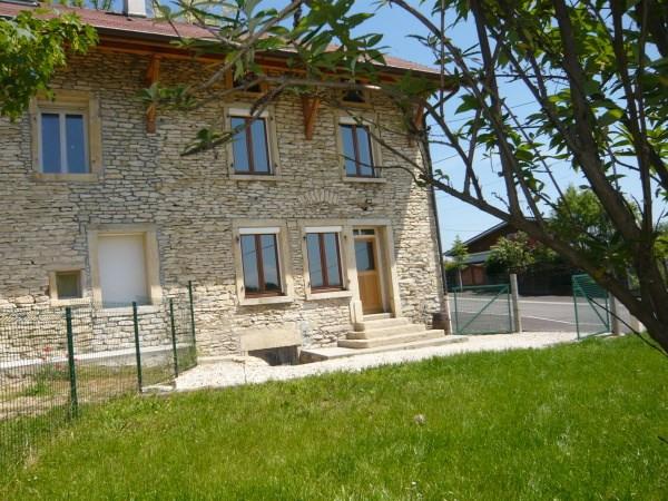 Location maison / villa Trept 560€ CC - Photo 1