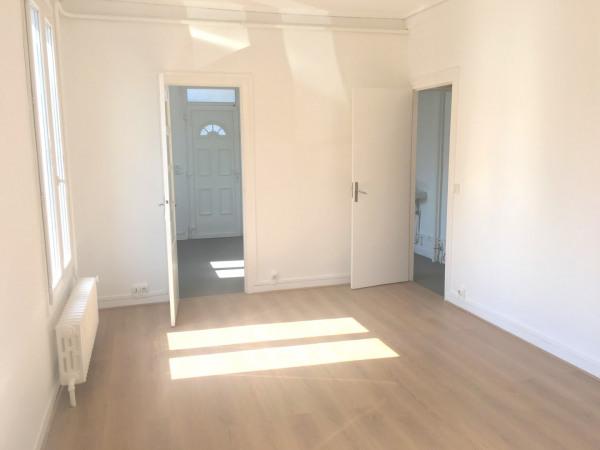 Bureaux de 100 m² sur 2 niveaux à 10 mn du Métro