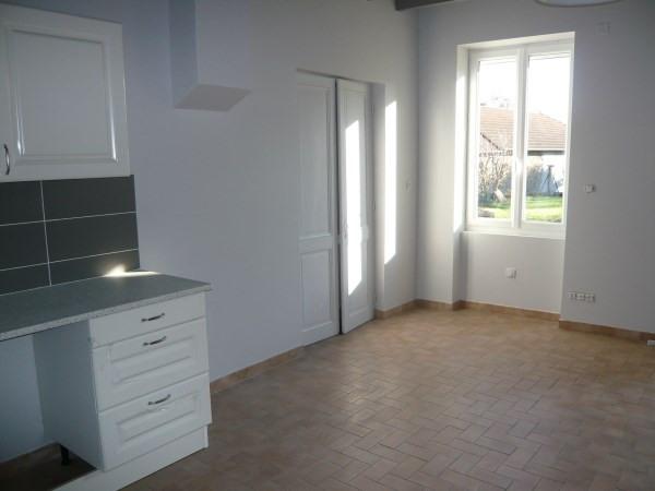 Rental house / villa Siccieu saint julien 825€ CC - Picture 4