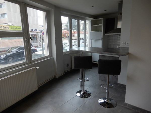 Rental apartment Villeurbanne 520€ CC - Picture 1
