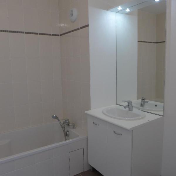 Rental apartment St fons 795€ CC - Picture 9