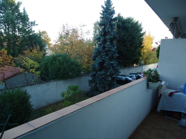 Rental apartment Pont de cheruy 720€ CC - Picture 1