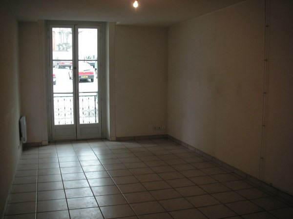 Location appartement Ambronay 358€ CC - Photo 4