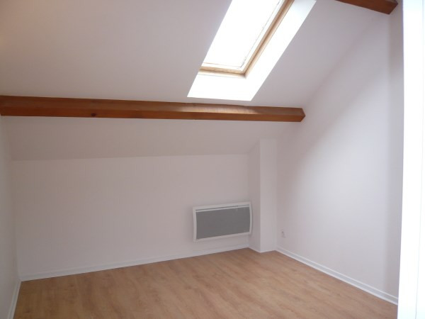 Location appartement Cremieu 595€ CC - Photo 4