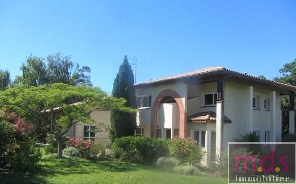 Environnement résidentiel spacieuse villa avec piscine 5x12