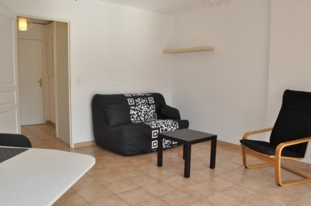 Location appartement Marseille 12ème 620€ CC - Photo 3