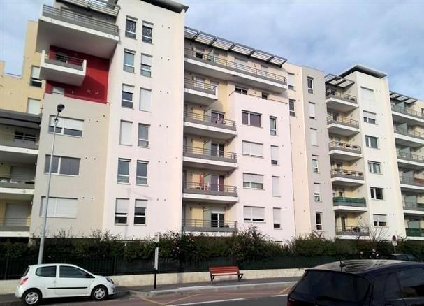 Location appartement Villefranche sur saone 812€ CC - Photo 5