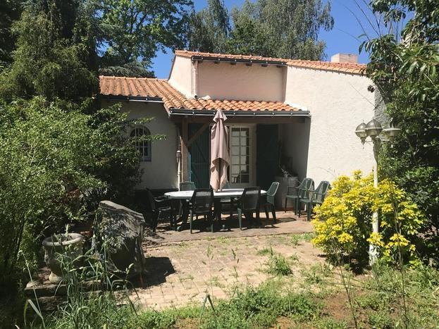 Sale house / villa La planche 213000€ - Picture 1