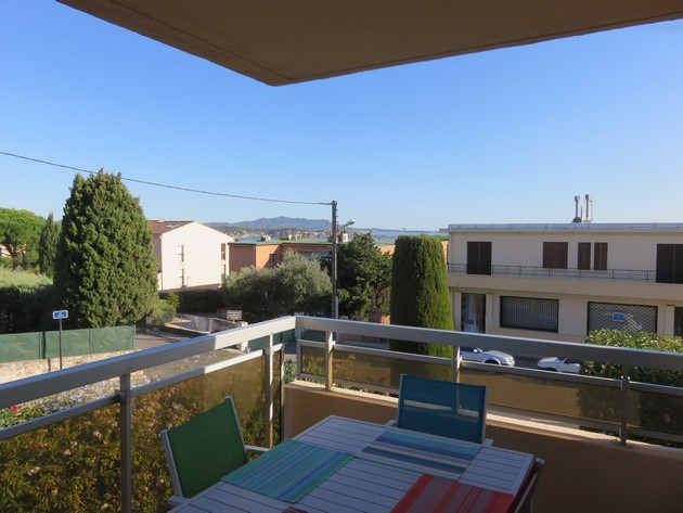 Vacation rental apartment Bandol 590€ - Picture 3