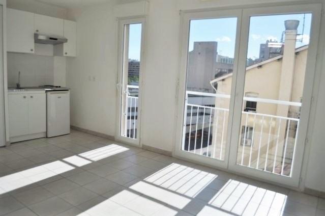 Rental apartment Marseille 5ème 470€ CC - Picture 1