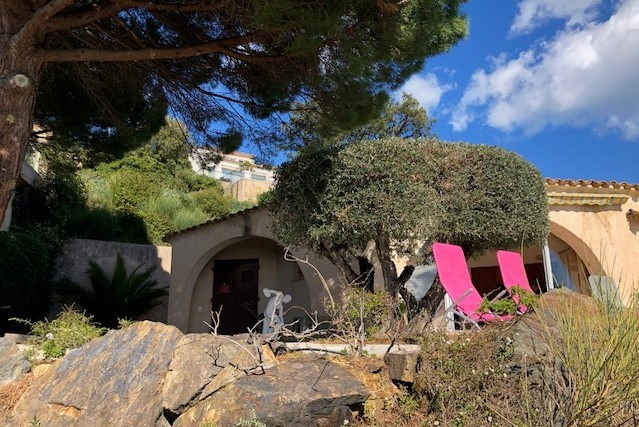 Location vacances maison / villa Les issambres 1125€ - Photo 8