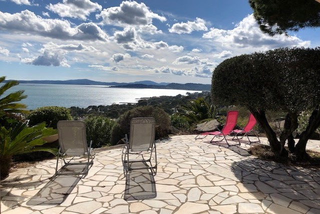 Location vacances maison / villa Les issambres 1125€ - Photo 3