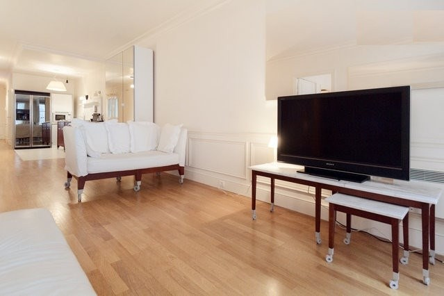 Location appartement Paris 6ème 3 000€ CC - Photo 3
