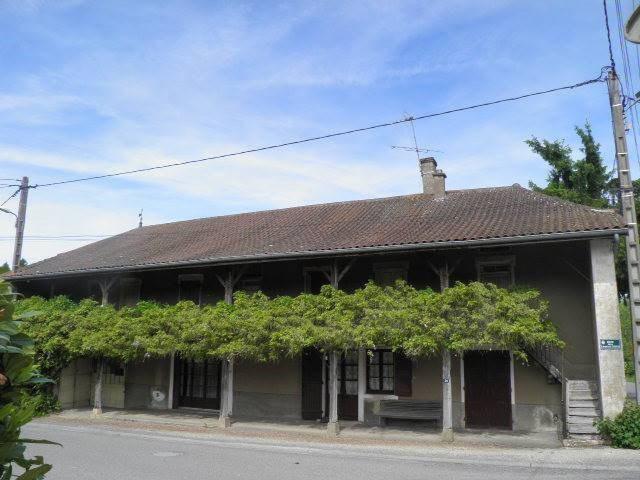 Sale house / villa Romenay 149000€ - Picture 1