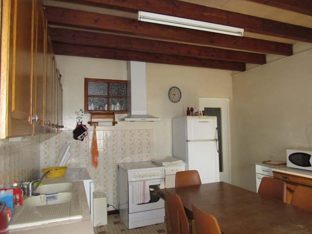 Sale house / villa Saint-jean-d'angély 127800€ - Picture 3