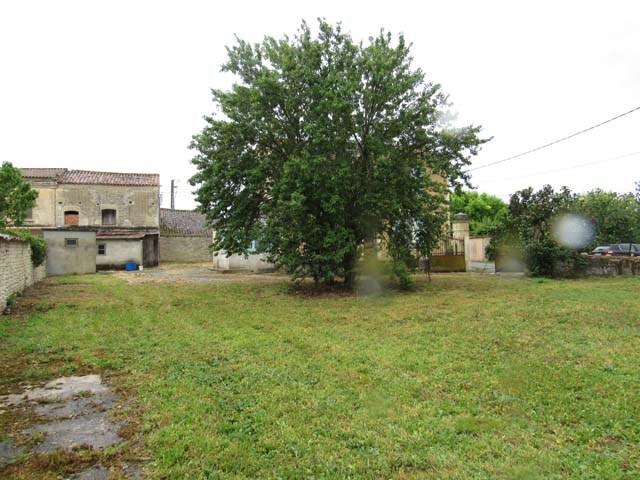 Sale house / villa St séverin sur boutonne 85600€ - Picture 3