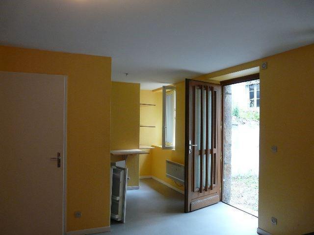 Rental apartment Saint-etienne 298€ CC - Picture 1