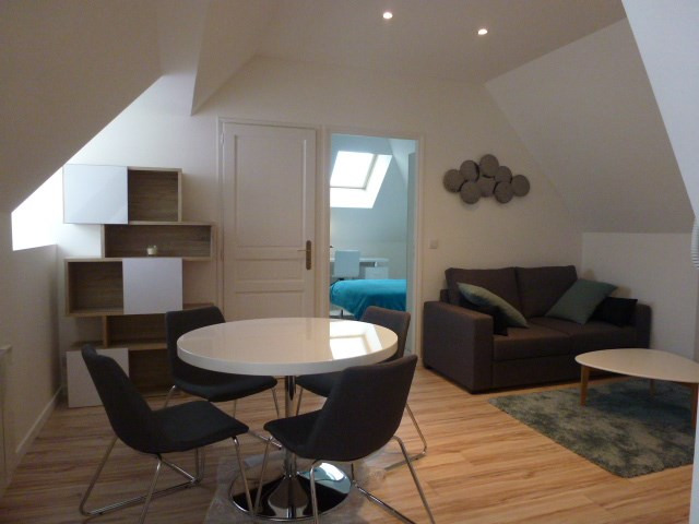 Location appartement Fontainebleau 950€ CC - Photo 2