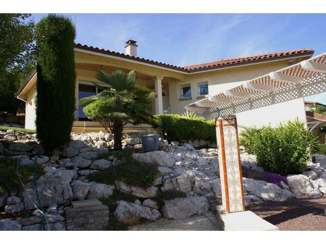 Sale house / villa Montrigaud 259000€ - Picture 1