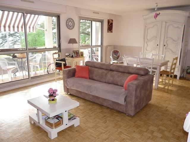 Verkoop  appartement Saint-priest-en-jarez 219000€ - Foto 2