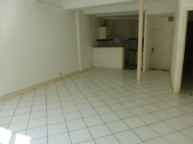 Rental apartment Aix en provence 814€ CC - Picture 2