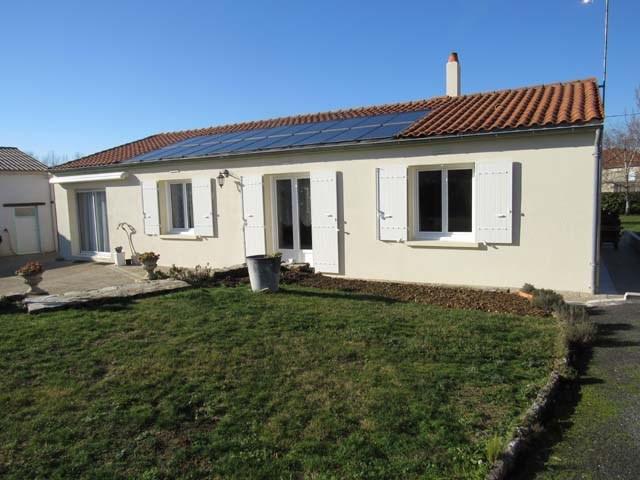 Sale house / villa Poursay-garnaud 169600€ - Picture 1