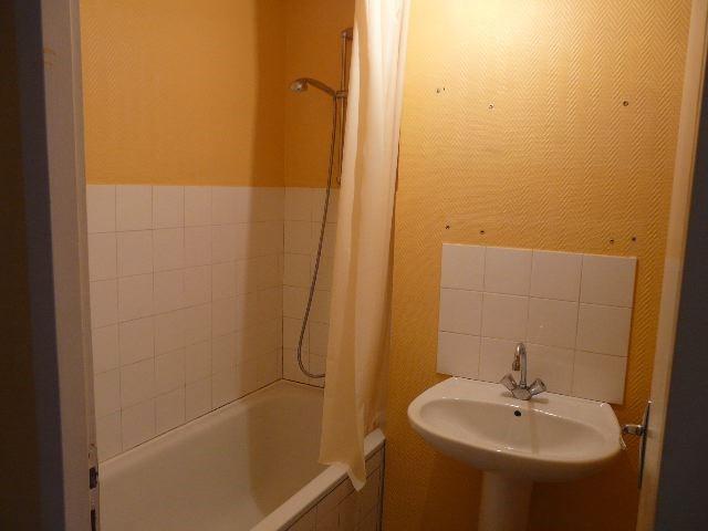 Rental apartment Saint-etienne 298€ CC - Picture 5
