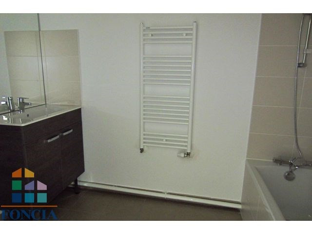 Location appartement Mions 802€ CC - Photo 7