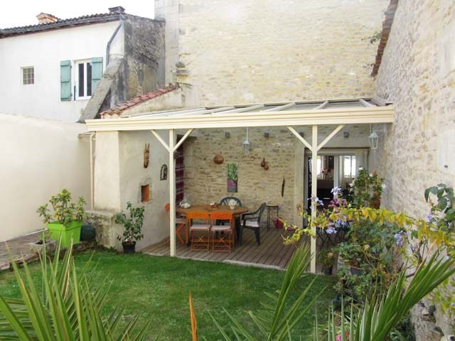 Sale house / villa Saint-jean-d'angély 217 300€ - Picture 2
