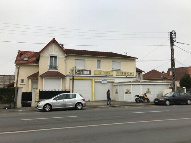 Location local commercial Vigneux sur seine 2220€ CC - Photo 4
