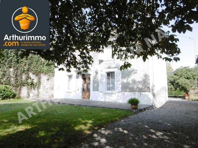 Sale house / villa Nay 196000€ - Picture 1