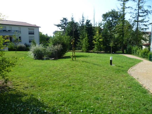 Location appartement Grezieu la varenne 928€ CC - Photo 2