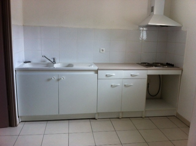 Rental apartment Cambes 608€ CC - Picture 1