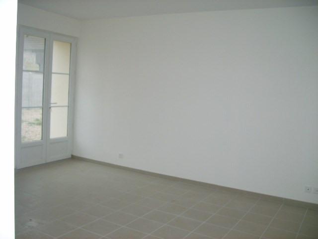 Rental house / villa Jeufosse 770€ CC - Picture 5