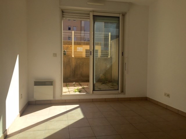 Location appartement Marseille 8ème 1 062,19€cc - Photo 6