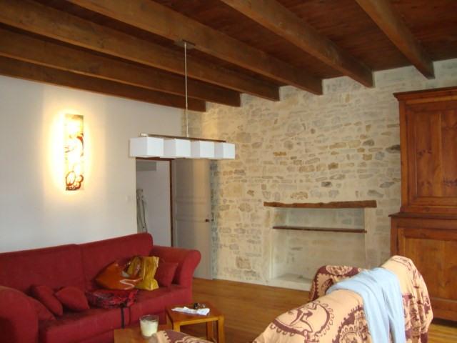 Sale house / villa Fenioux 243800€ - Picture 4