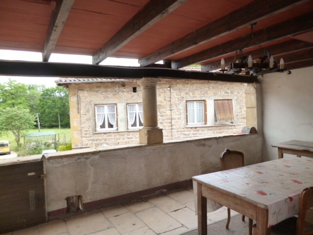 Location maison / villa St romain de popey 630€cc - Photo 2