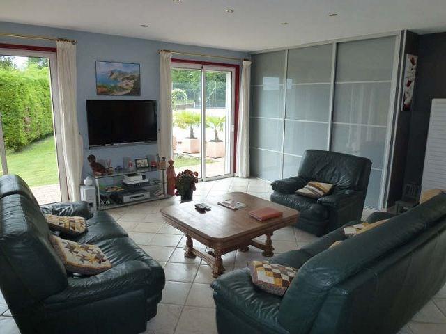 Vente maison / villa Beausemblant 387000€ - Photo 8