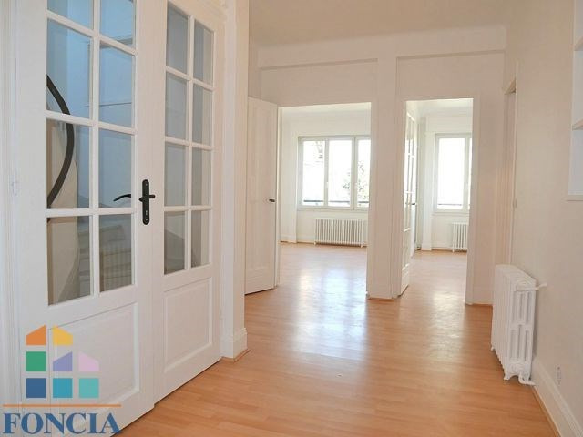 Location maison / villa Suresnes 2 266€ CC - Photo 4